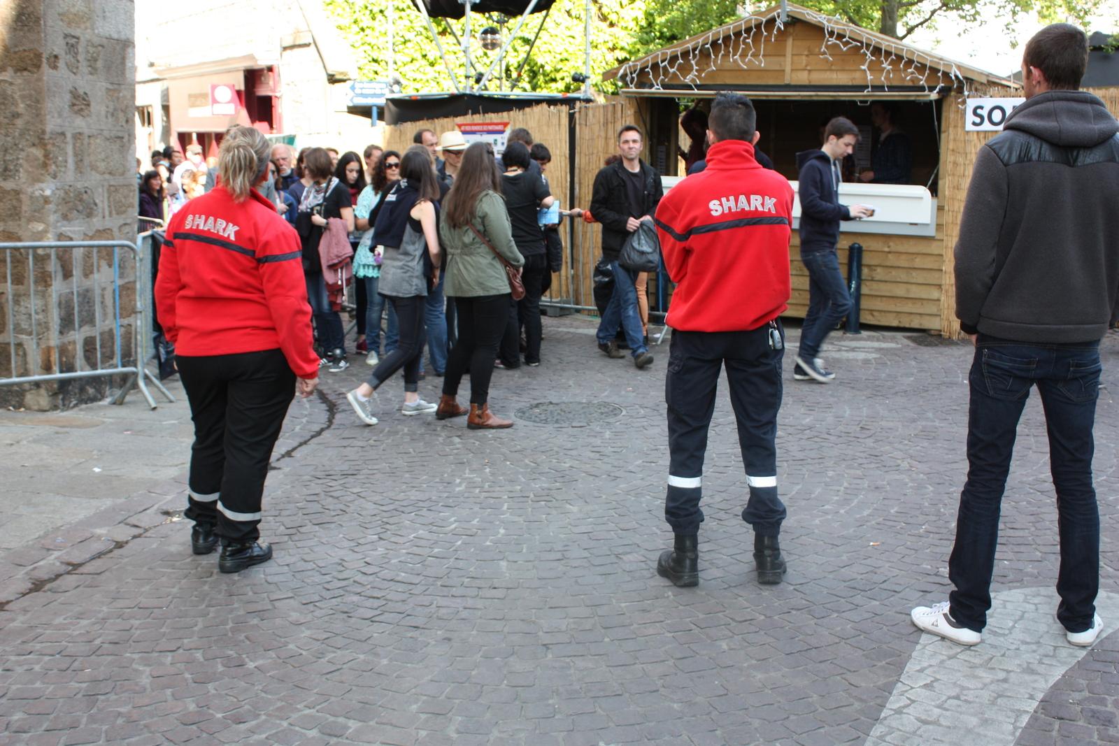 sécurité événementielle Nantes : agents agréés palpation